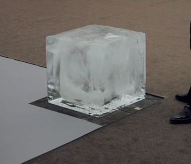Jeppe Hein, Ice Cube, 2005. Image courtesy of Johann Koenig, Berlin.